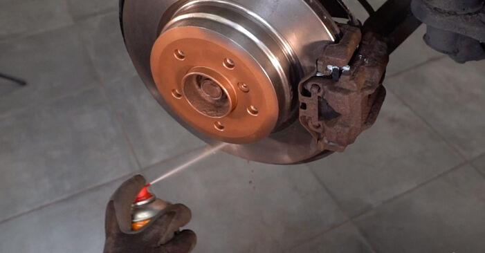 Как да сменим Амортисьор на BMW 3 купе (E92) 2009: свалете PDF наръчници и видео инструкции