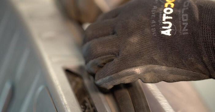 Как да сменим BMW 3 купе (E92) 335i 3.0 2005 Амортисьор - стъпка по стъпка инструкции и видео ръководства