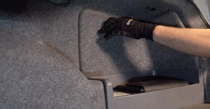 Не е трудно да го направим сами: смяна на Амортисьор на BMW E92 320i 2.0 2010 - свали илюстрирано ръководство