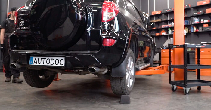 How to replace TOYOTA RAV 4 III (ACA3_, ACE_, ALA3_, GSA3_, ZSA3_) 2.2 D 4WD (ALA30_) 2006 Shock Absorber - step-by-step manuals and video guides