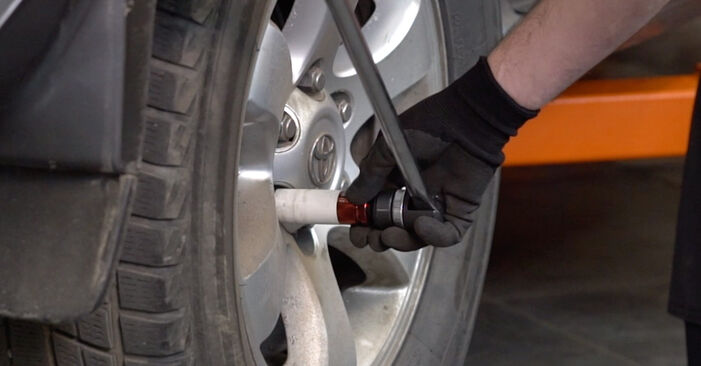 Hvordan skifte Støtdemper på Toyota Prado J120 2002 – gratis PDF- og videoveiledninger