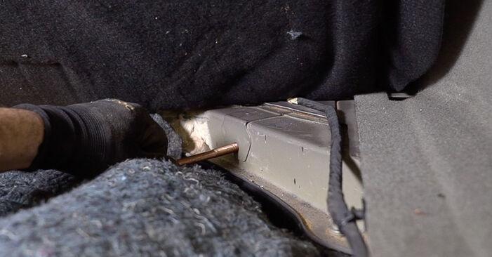 Wie Stoßdämpfer RENAULT SCÉNIC II (JM0/1_) 1.5 dCi 2004 austauschen - Schrittweise Handbücher und Videoanleitungen