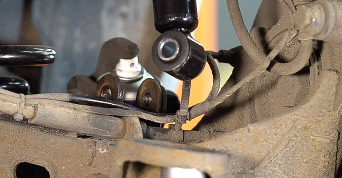 How to replace MERCEDES-BENZ VITO Bus (638) 112 CDI 2.2 (638.194) 1997 Shock Absorber - step-by-step manuals and video guides