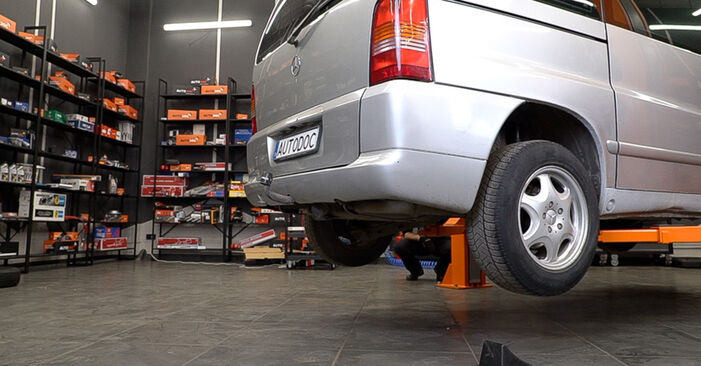 Mercedes W638 Minibus 108 CDI 2.2 (638.194) 1998 Shock Absorber replacement: free workshop manuals