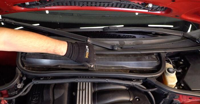 BMW 3 Convertible (E46) 320Ci 2.2 2000 Salona filtrs nomaiņa: bezmaksas remonta rokasgrāmatas
