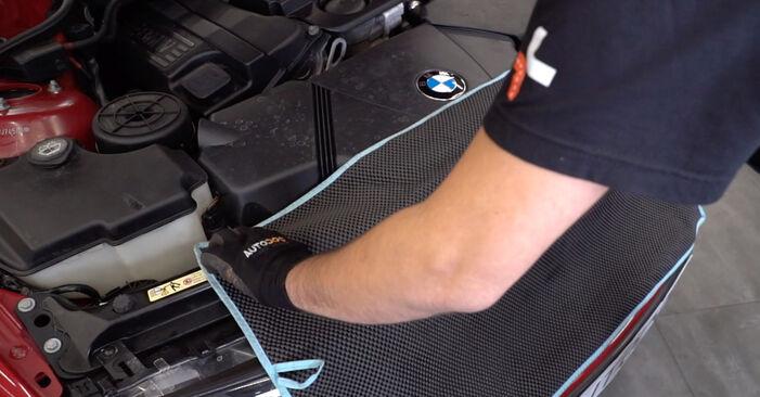 Kā nomainīt BMW 3 Cabrio (E46) 330Ci 3.0 1999 Salona filtrs - pakāpeniskās rokasgrāmatas un video ceļveži