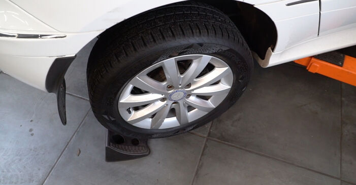 Mercedes W245 B 200 CDI 2.0 (245.208) 2006 Anti Roll Bar Links replacement: free workshop manuals