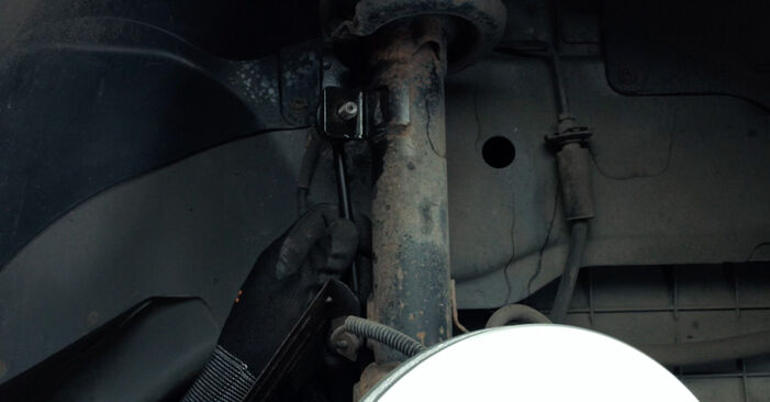 Austauschen Anleitung Koppelstange am Ford Fiesta V jh jd 2001 1.4 TDCi selbst