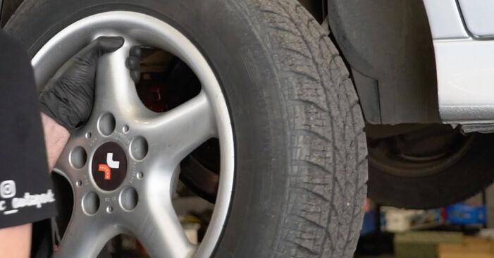 Kuidas eemaldada BMW 5 SERIES 525tds 2.5 1999 Stabilisaatori otsavarras - hõlpsasti järgitavad juhised online