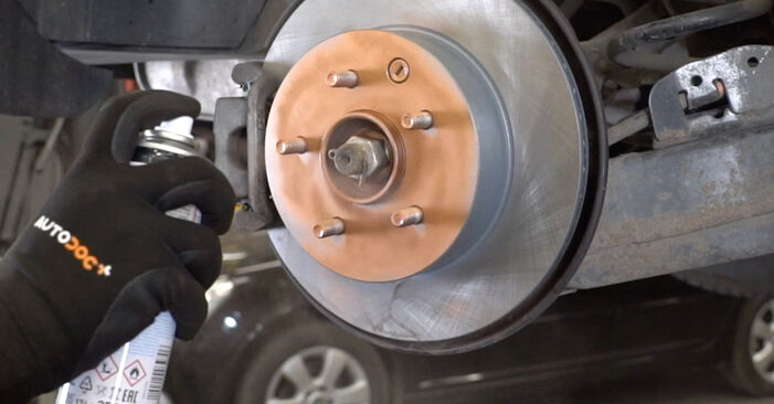Hoe lang duurt het wisselen van Draagarm Nissan Qashqai j10 2006 – informatieve pdf-gebruiksaanwijzing