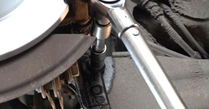 Tausch Tutorial Koppelstange am AUDI A3 Sportback (8PA) 2005 wechselt - Tipps und Tricks