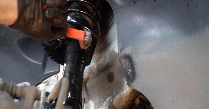 VW POLO 1.2 TDI Koppelstange ausbauen: Anweisungen und Video-Tutorials online