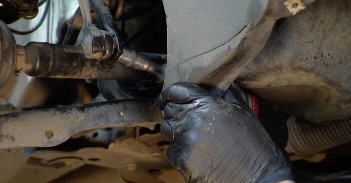 Wie schwer ist es, selbst zu reparieren: Koppelstange VW Polo 5 Limousine 1.4 TSi 2015 Tausch - Downloaden Sie sich illustrierte Anleitungen