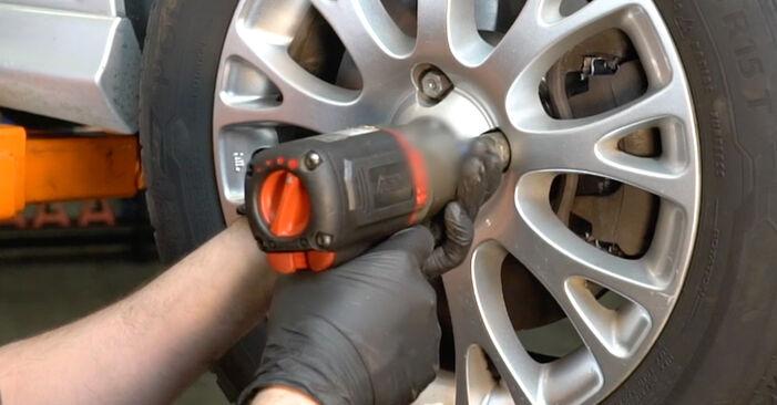 Fiat Punto 199 1.4 2010 Biellette Barra Stabilizzatrice sostituzione: manuali dell'autofficina