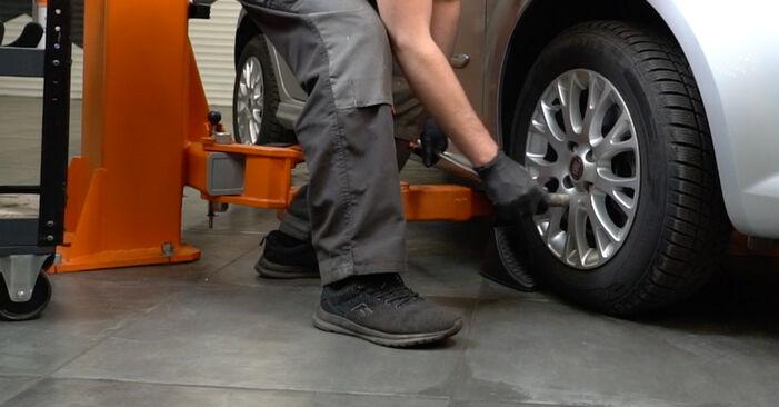 Come sostituire FIAT GRANDE PUNTO (199) 1.3 D Multijet 2009 Biellette Barra Stabilizzatrice - manuali passo passo e video guide