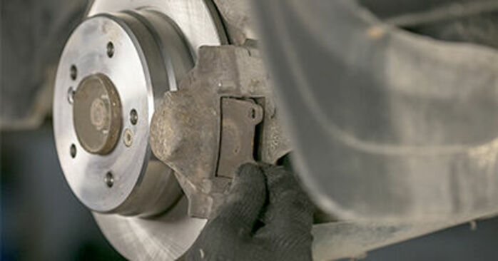 How to replace Brake Pads on MERCEDES-BENZ C-Class Saloon (W202) 1998: download PDF manuals and video instructions