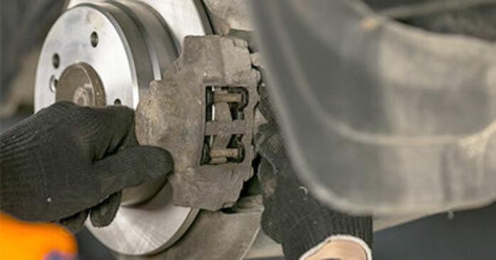 C-Class Saloon (W202) C 200 2.0 (202.020) 1996 Brake Pads DIY replacement workshop manual