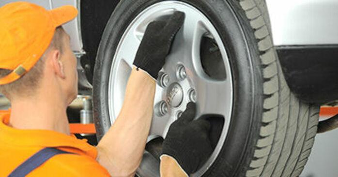 Schritt-für-Schritt-Anleitung zum selbstständigen Wechsel von Audi A4 B5 1999 1.8 T quattro Spurstangenkopf