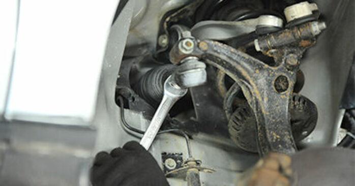 Spurstangenkopf Audi A4 B5 1.8 1996 wechseln: Kostenlose Reparaturhandbücher
