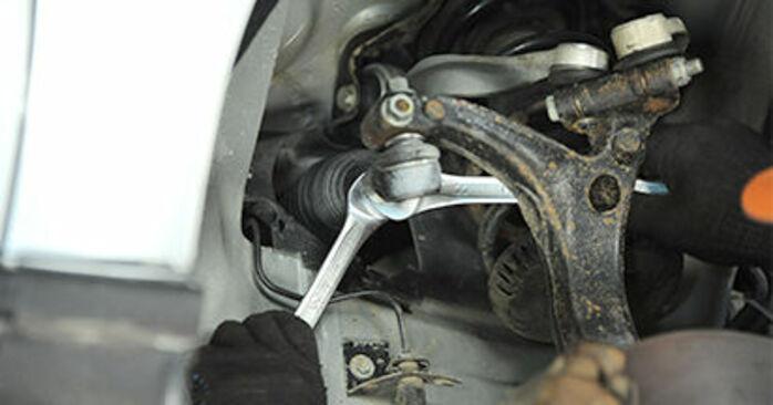 Wechseln Spurstangenkopf am AUDI A4 Limousine (8D2, B5) 1.8 T 1997 selber