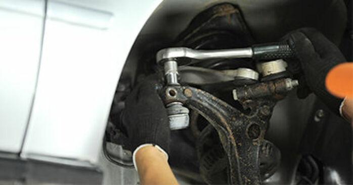 Spurstangenkopf am AUDI A4 Limousine (8D2, B5) 1.9 TDI quattro 1999 wechseln – Laden Sie sich PDF-Handbücher und Videoanleitungen herunter