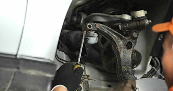Wie schwer ist es, selbst zu reparieren: Spurstangenkopf Audi A4 B5 S4 2.7 quattro 2000 Tausch - Downloaden Sie sich illustrierte Anleitungen