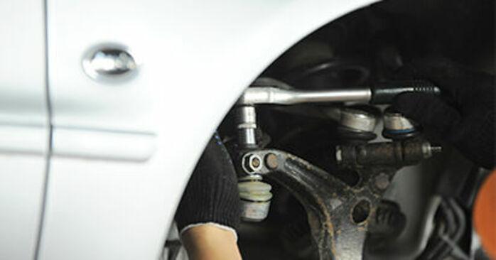 Combien de temps dure le remplacement : Roulement De Roues sur Audi A4 B5 Berline 1994 - manuel PDF informatif