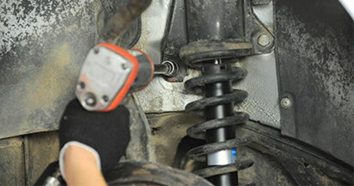 Wie schwer ist es, selbst zu reparieren: Federn Audi A4 B5 Limousine S4 2.7 quattro 2000 Tausch - Downloaden Sie sich illustrierte Anleitungen