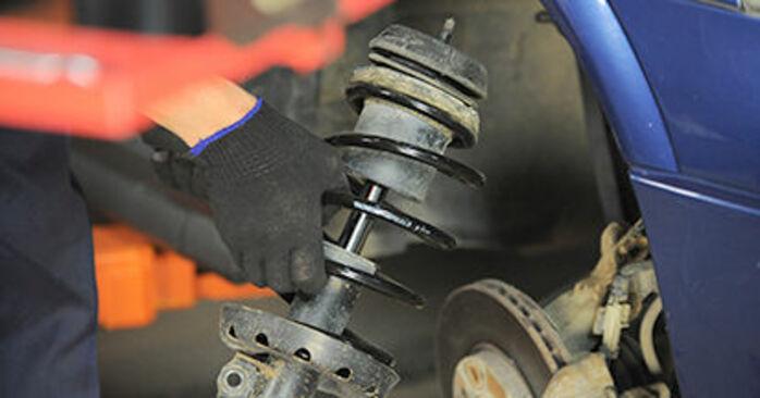 Remplacer Coupelle d'Amortisseur sur Opel Astra g f48 2008 1.6 16V (F08, F48) par vous-même