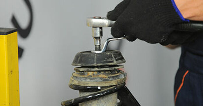 Astra G CC (T98) 1.7 DTI 16V (F08, F48) 2009 Coupelle d'Amortisseur manuel d'atelier pour remplacer soi-même