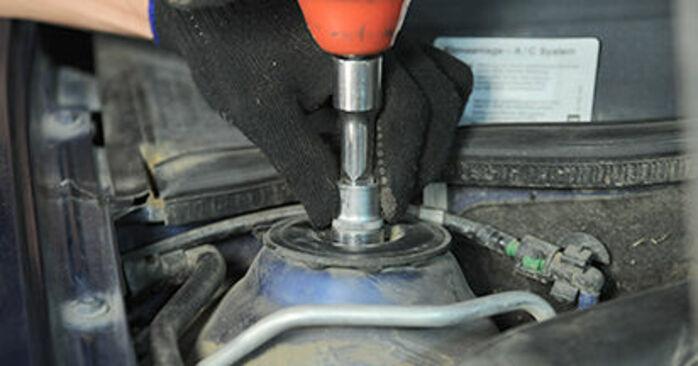 Opel Astra g f48 1.6 (F08, F48) 2000 Coupelle d'Amortisseur remplacement : manuels d'atelier gratuits