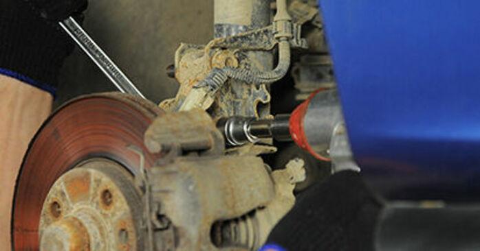 Wie schwer ist es, selbst zu reparieren: Domlager Opel Astra g f48 2.0 DI (F08, F48) 2004 Tausch - Downloaden Sie sich illustrierte Anleitungen