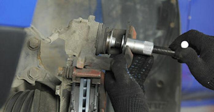 VW LUPO 1.0 Bremsbeläge ausbauen: Anweisungen und Video-Tutorials online