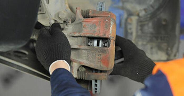 Austauschen Anleitung Bremsbeläge am VW Lupo 6x1 2000 1.2 TDI 3L selbst