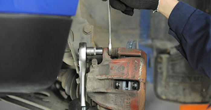 Tausch Tutorial Bremsbeläge am VW Lupo (6X1, 6E1) 2002 wechselt - Tipps und Tricks