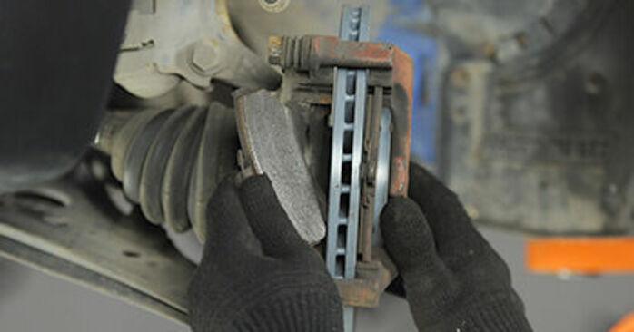 Bremsbeläge am VW Lupo (6X1, 6E1) 1.7 SDI 2003 wechseln – Laden Sie sich PDF-Handbücher und Videoanleitungen herunter