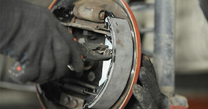 Austauschen Anleitung Bremsbacken am VW Lupo 6x1 2000 1.2 TDI 3L selbst