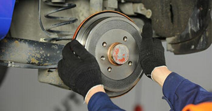 Zweckdienliche Tipps zum Austausch von Bremsbacken beim VW Lupo (6X1, 6E1) 1.4 2004