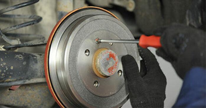 Bremsbacken VW Lupo 6x1 1.4 2000 wechseln: Kostenlose Reparaturhandbücher