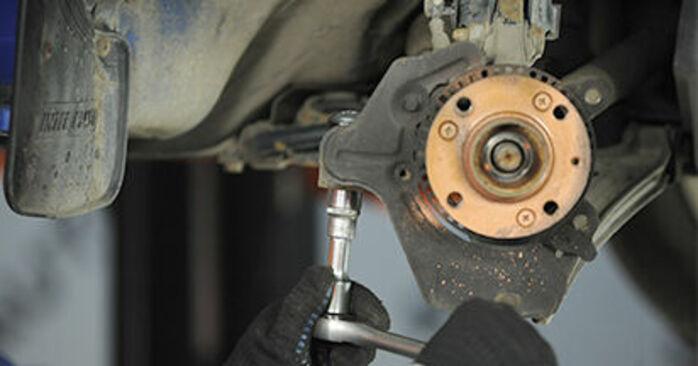 Sostituzione di VW LUPO 1.2 TDI 3L Cuscinetto Ruota: guide online e tutorial video