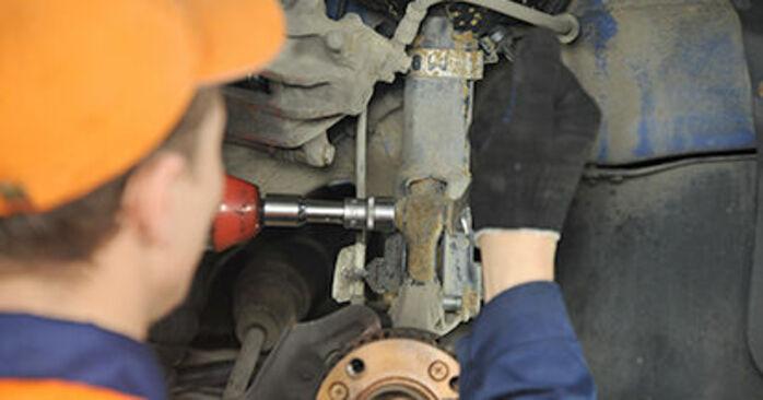 Hvordan man udskifter Hjulleje på VW Lupo 6x1 1998 - gratis PDF og video manualer