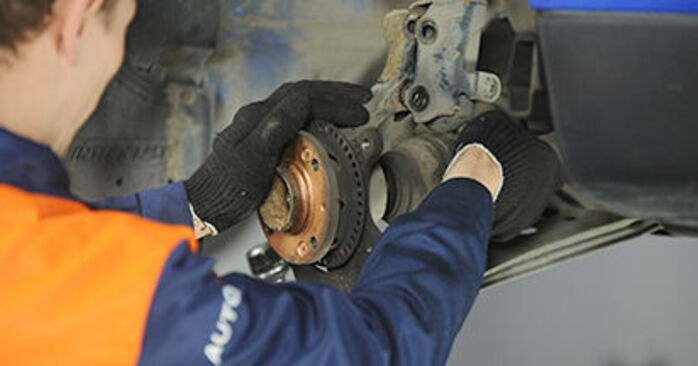 Lupo (6X1, 6E1) 1.4 TDI 2001 Wheel Bearing DIY replacement workshop manual