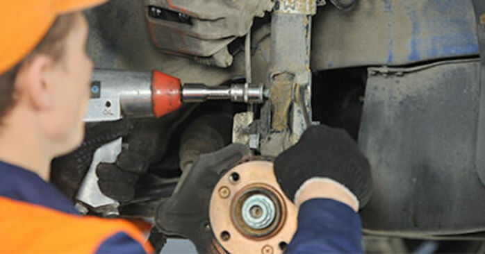 How to change Wheel Bearing on VW Lupo (6X1, 6E1) 2002 - tips and tricks