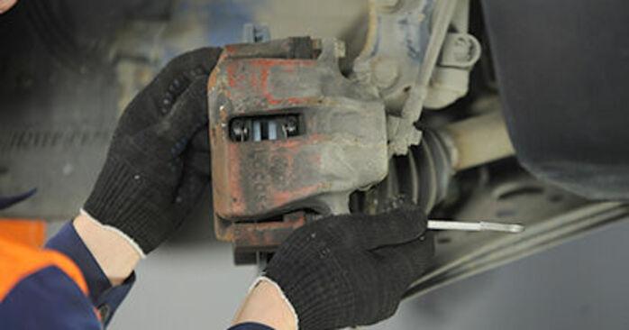 Hvordan man fjerner VW LUPO 1.4 TDI 2002 Hjulleje - nem at følge online instruktioner