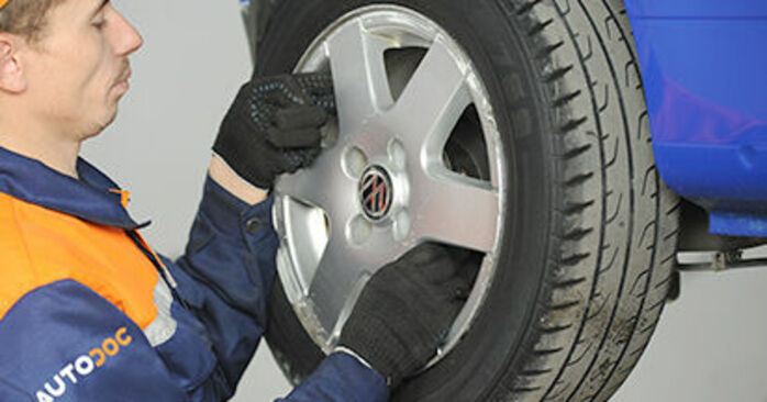 Comment changer Moyeu De Roue sur VW Lupo (6X1, 6E1) 2002 - trucs et astuces