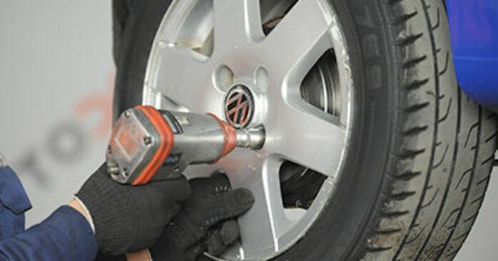 Recommandations étape par étape pour remplacer soi-même VW Lupo 6x1 2003 1.4 TDI Moyeu De Roue