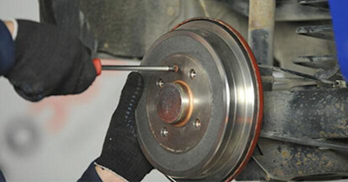Hauptbremszylinder VW Lupo 6x1 1.4 2000 wechseln: Kostenlose Reparaturhandbücher