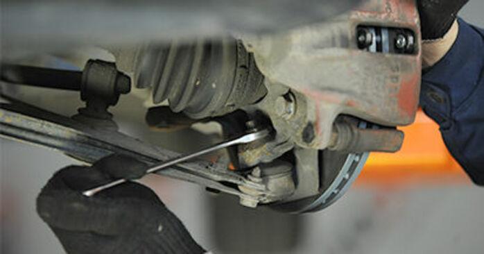 Wie VW LUPO 1.4 TDI 2002 Traggelenk ausbauen - Einfach zu verstehende Anleitungen online