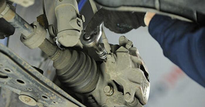 Svépomocná výměna Brzdovy kotouc na autě VW Lupo 6x1 2000 1.2 TDI 3L