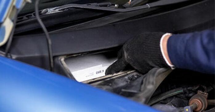 CITROËN C3 2009 Interieurfilter stapsgewijze handleiding voor vervanging